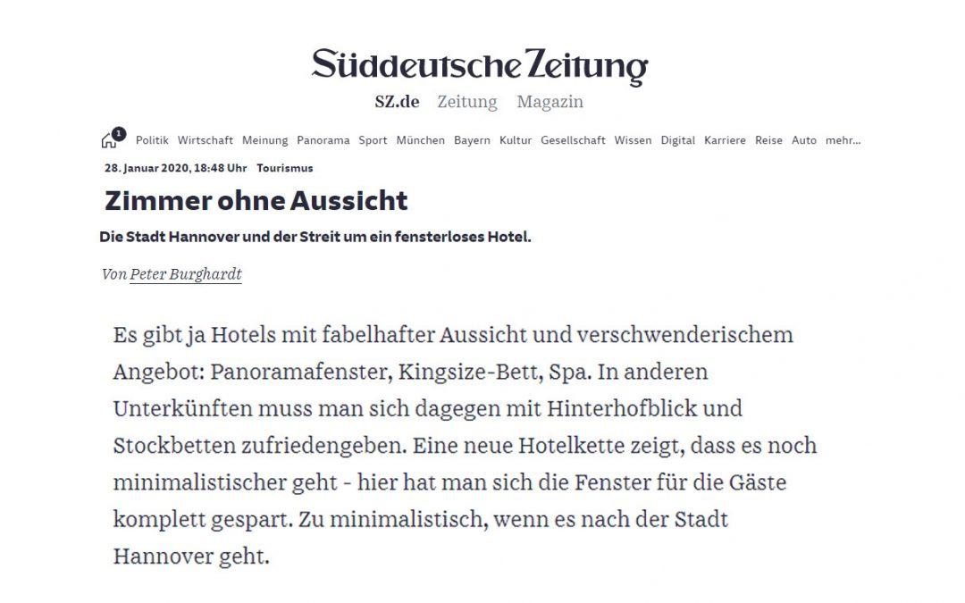 2020/01/28 Süddeutsche Zeitung – Fenster im Hotel? Überflüssig
